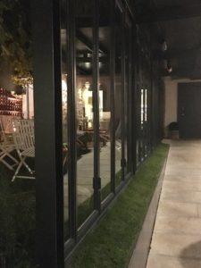 CARPINTERIA DE HIERRO negra para restaurante A Maceta en Santiago