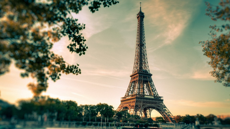eiffel-tower-2810259_960_720